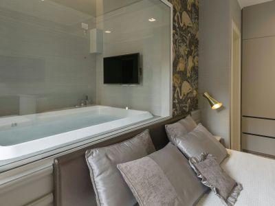 San-Carlo-Suite-Roma-kingCityView-vasca-letto