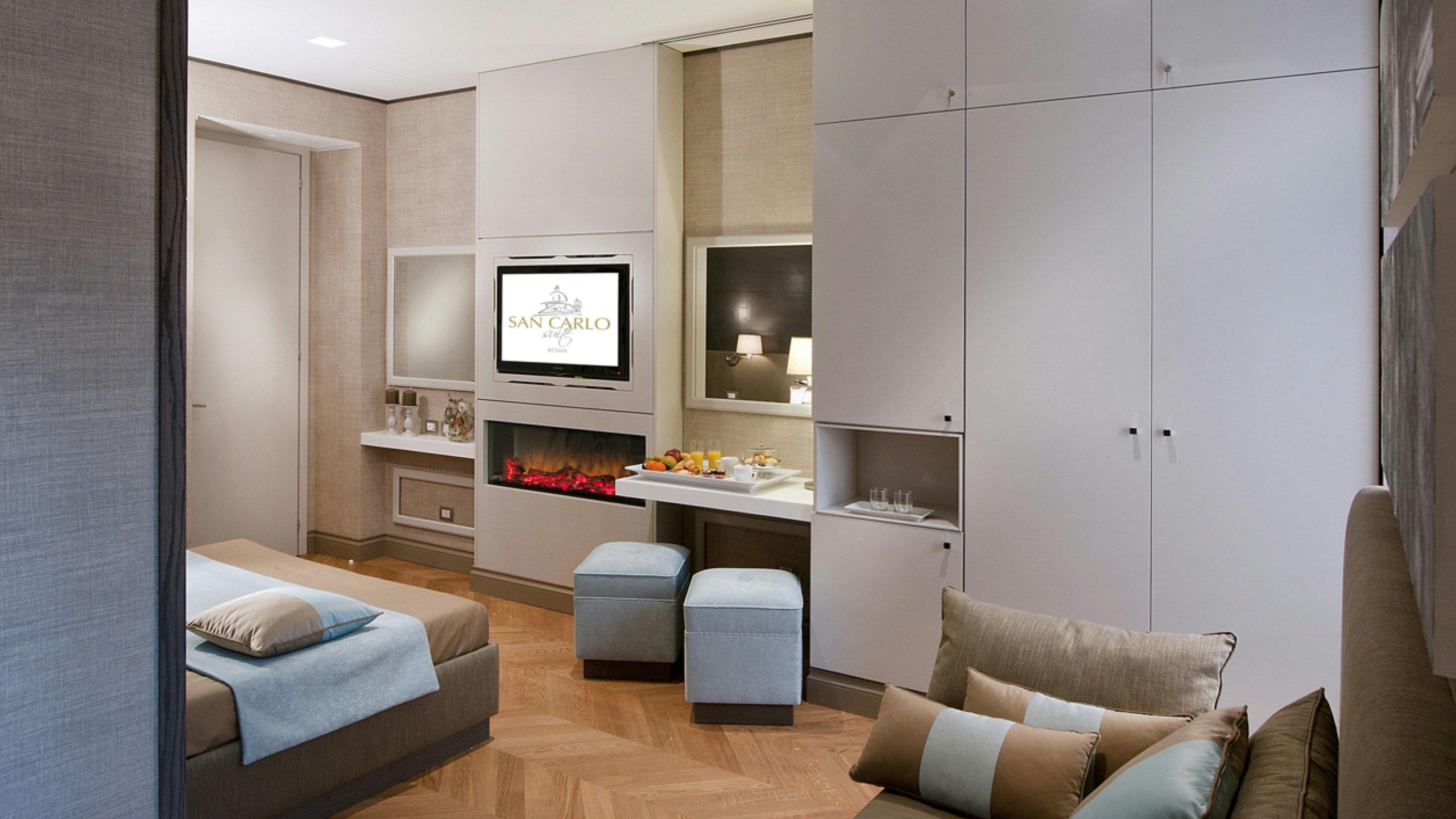San-Carlo-Suite-Roma-suite-deluxe-salone